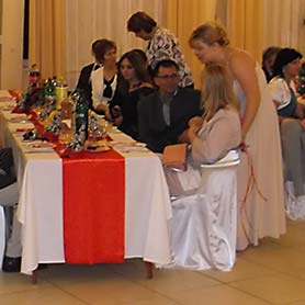 Stužková slávnosť v študentskej jedálni na Werferovej ulici v Košiciach.