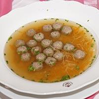 Svadobná polievka.
