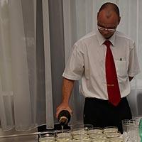 Svadba, hotel Olšanka Praha, niečo na pitie s obsluhou.
