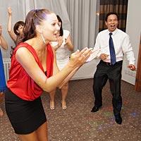 Svadobný DJ, hudba a tanec.
