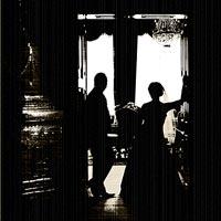 Svadobná fotografia - umelecké foto Silueta pri okne - Betliar 2013.