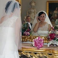 Svadobná fotografia Nevesta pri zrkadle - Betliar 2013.