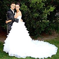 Svadobný portrét, svadobné šaty s dlhým závojom.