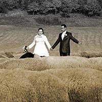 Svadba foto pod Turniaským hradom. Na pastvinách.