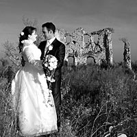 Romantika, ticho, príroda a láska - svadba foto na Turnianskom hrade.