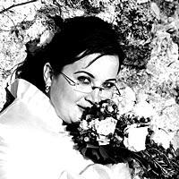 Svadobný portrét, nevesta so svadobným kvetom.