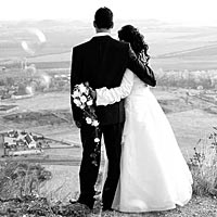Romantické svadobné foto na Turnianskom hrade.