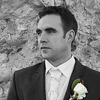Svadba foto, portrét Ženích na Turnianskom hrade.