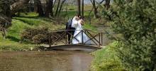 Fotenie svadby - Na mostíku. - farma Komjáti.