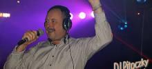 DJ Pitoczky hudobné produkcie na svadby, plesy, stužkové slávnosti, rodinné oslavy, firemné párty a iné spoločenské podujatia.
